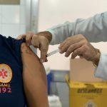 Profissionais do Samu começam a ser vacinados em Meriti